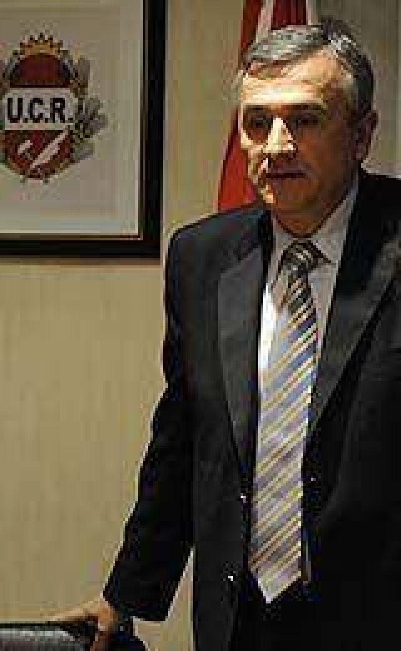"""Morales: """"No es bueno que la estrategia de oposición se defina en la vicepresidencia"""""""