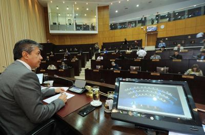 Diputados neuquinos rechazaron el uso de recursos naturales como garantía de deuda