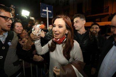 Cristina reunió a 20 intendentes incondicionales para bajar línea del diseño electoral y abrir las puertas a la unidad