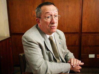 """El rector de la Universidad será candidato, el tuit """"explosivo"""" y el diario que sigue de fiesta"""