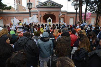"""Gremios estatales sesionaron en """"Cabildo Abierto"""" frente a casa de gobierno"""