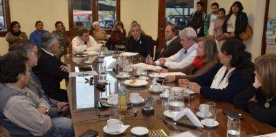 Morales presentó el proyecto del Instituto de Energías Renovables de la UNju
