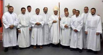 Obispo de Quilmes ordenó 11 nuevos diáconos