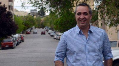 A Sánchez no le cierra la re-re que propone Pechi para la ciudad