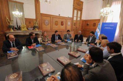 Antonijevic firmó el convenio de Plan de Renovación Urbana
