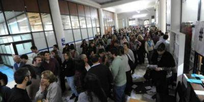 La Plata: protesta de trabajadores de Arba por las licencias