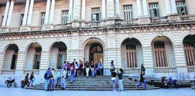 Los profesores de la UNR impulsan un paro nacional por tiempo indeterminado
