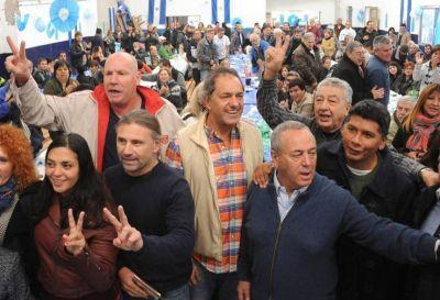 Scioli unió a los tres protagonistas: en tierra de Massa le pegó a Macri y defendió a Cristina