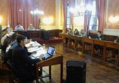 Con críticas de la oposición y largo debate, aprobaron las cuentas de Salazar