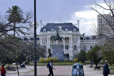 Paritarias en la Provincia: Los judiciales paran, los médicos negocian y los docentes esperan