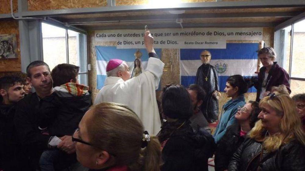 Mons. Frassia bendijo la capilla Beato Oscar Romero en la Isla Maciel