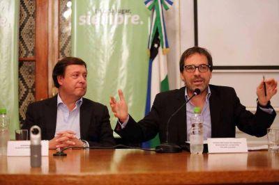 Formalizaron el anuncio de la central nuclear en Río Negro