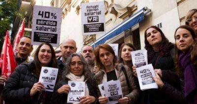 Paro en la embajada de España por aumento salarial