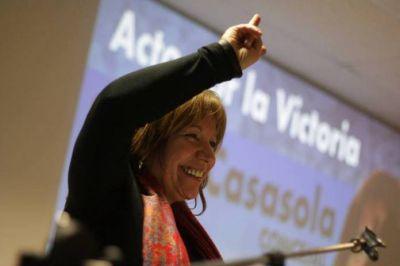 Stella Casasola es la precandidata a concejal por el Enapo