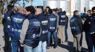 Recibidores de granos prometen paralizar los puertos si no les pagan un sueldo extra