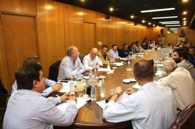 En franca minoría, el randazzismo bancó la idea de ir a las PASO ante el PJ Bonaerense