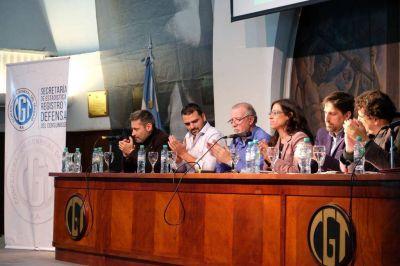 Vuoto abrió el acto organizado por la FAM y la CGT en la sede obrera de la calle Azopardo