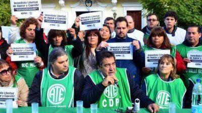 La detención de gremialistas derivó en fuertes cruces políticos
