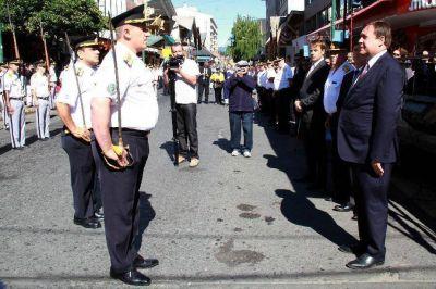 Fuerte respaldo de Weretilneck a la Policía