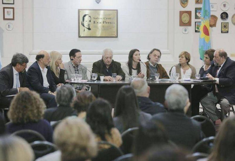 Sindicalistas y legisladores se plantaron frente a la ley de ART