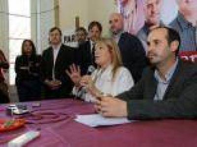 """La Plata: """"Vamos hacia una lista de unidad fuerte para ganar este año y el 2019"""", dijo Crespo"""