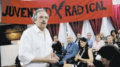 Pataleo radical en Cambiemos: el no de Alfonsín, amenazas y un faltazo a Olivos