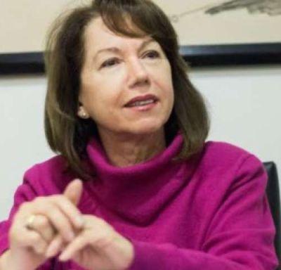 En medio de dudas y críticas dentro del oficialismo, Sonia Escudero presenta su candidatura