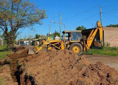Ampliación de la red de agua en los barrios 12 de octubre y Parodi