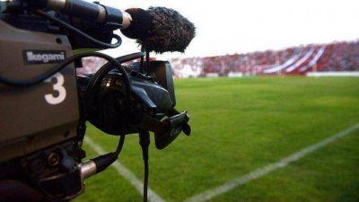 Efecto campaña: el fútbol por TV seguirá siendo gratuito hasta después de las elecciones