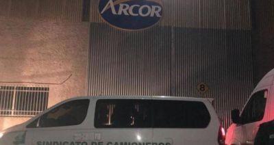 Paro de Camioneros en distribuidora de alimentos