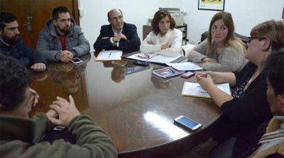"""Buscan reglamentar a los feriantes """"en un lugar a determinar por el Municipio"""""""