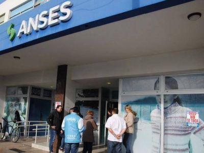 Presionan a personal de la Anses y los intimidan con la policía ante medida de fuerza