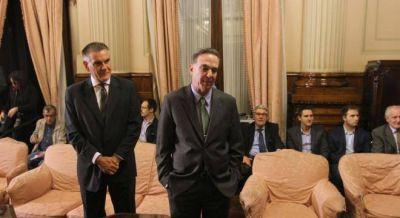 Pichetto la complica a Cristina, trabándole la aprobación de sus gastos en el gobierno