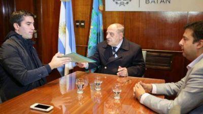 Arroyo entregó al presidente de la Cámara de Diputados el proyecto tolerancia 0 al conductor