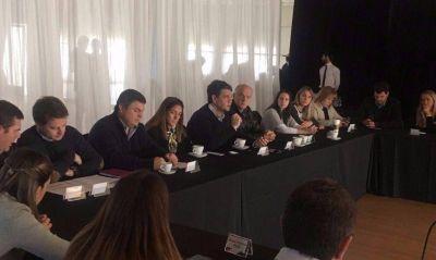 Rodeado de candidatos, el PRO bonaerense ratificó su participación en Cambiemos