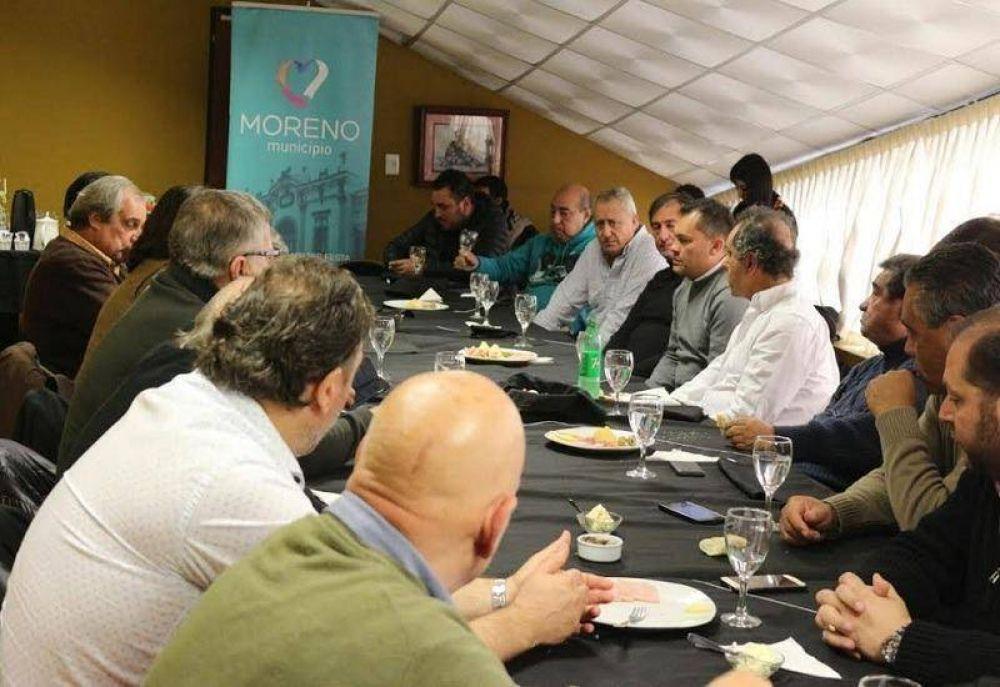Festa y Scioli se reunieron con dirigentes del PJ y pidieron por CFK