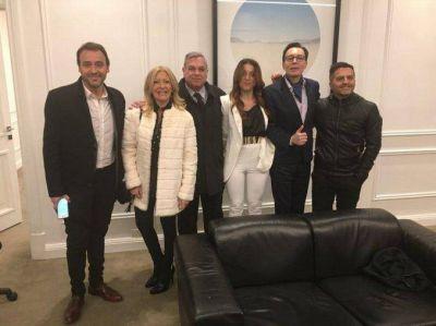 Macri le confirmó a los periodistas de espectáculos que irá por la reelección