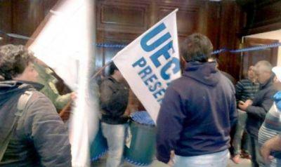 Denuncian el despido de 200 trabajadores de Atucha