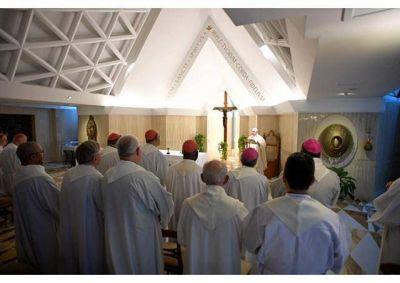 Homilía del Papa: El testimonio cristiano es sal y luz