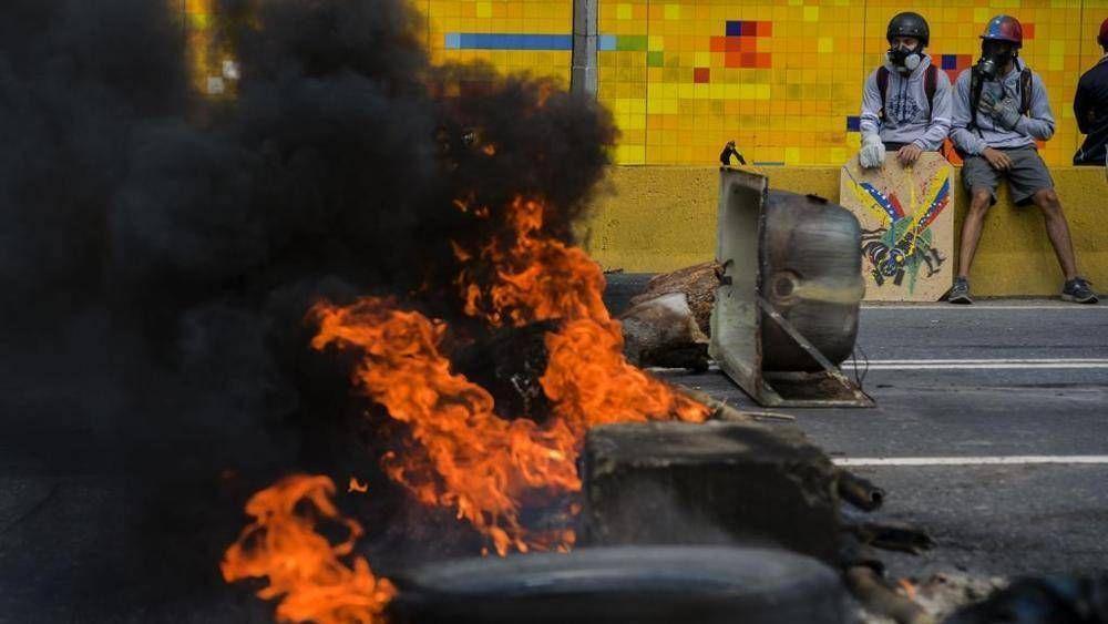 Divina Pastora toma las calles para que cese violencia en Venezuela