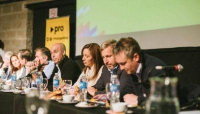 Cumbre PRO con Vidal para definir estrategia