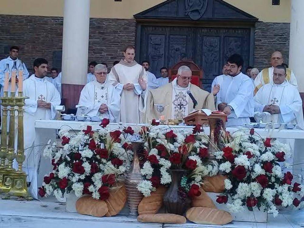 """Mons. Lozano, nuevo arzobispo de San Juan, llamó a tener """"un solo corazón y una sola alma puestos en Jesús"""""""
