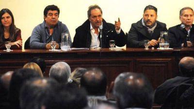 Daniel Scioli ratificó su alianza con Cristina Kirchner y gran parte del PJ bonaerense firmó su adhesión a Unidad Ciudadana
