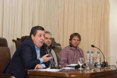 El intendente de Guaminí, Néstor Álvarez, alineado definitivamente con el kirchnerismo para las elecciones de este año