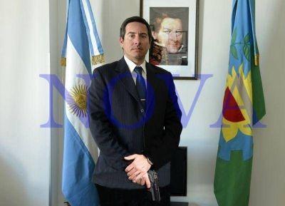 Fernando Rozas, un funcionario pistolero: la 9mm habría sido provista por la armería del SPB