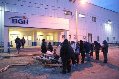 Trabajadores de BGH realizaron un piquete en el acceso a la fábrica
