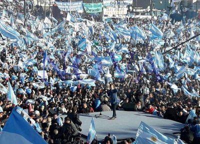Especulando con su candidatura, Cristina presentó el Frente Unidad Ciudadana: