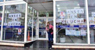 Trabajadores de la Anses vuelven a parar y se movilizan por el centro porteño