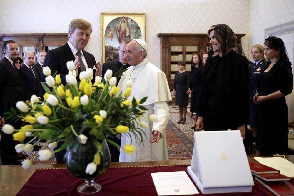El Papa recibió a la reina Máxima Zorreguieta y su esposo Guillermo