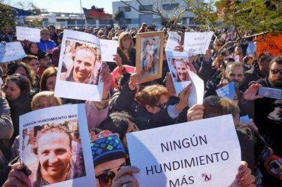 Mons. Marino envió un mensaje a los familiares de los tripulantes del barco Repunte